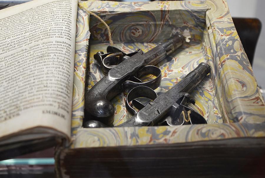 Вампиры, шпионки, пираты и еретики. Экскурсия DK.RU в частный музей оружия Игоря Алтушкина 5