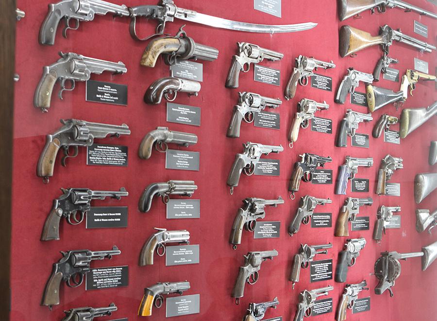 Коллекция револьверов