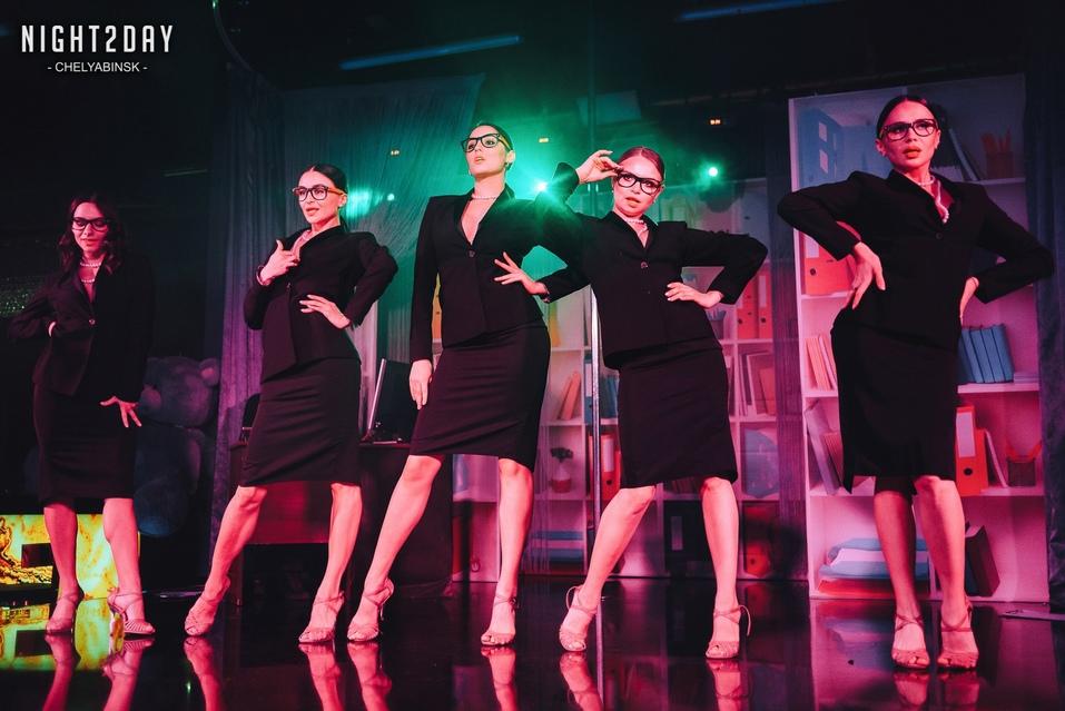 Концерт экс-солиста группы «Лесоповал» и шоу в ритме non-stop: новый сезон в Show Girls 3