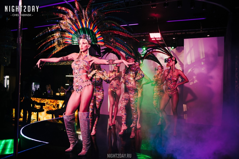 Концерт экс-солиста группы «Лесоповал» и шоу в ритме non-stop: новый сезон в Show Girls 6