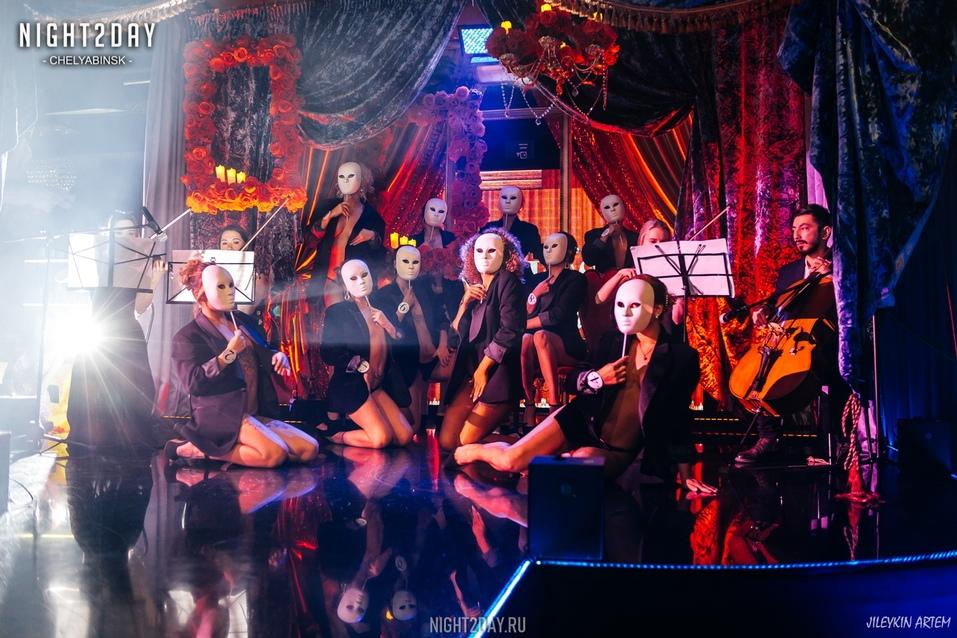Концерт экс-солиста группы «Лесоповал» и шоу в ритме non-stop: новый сезон в Show Girls 7