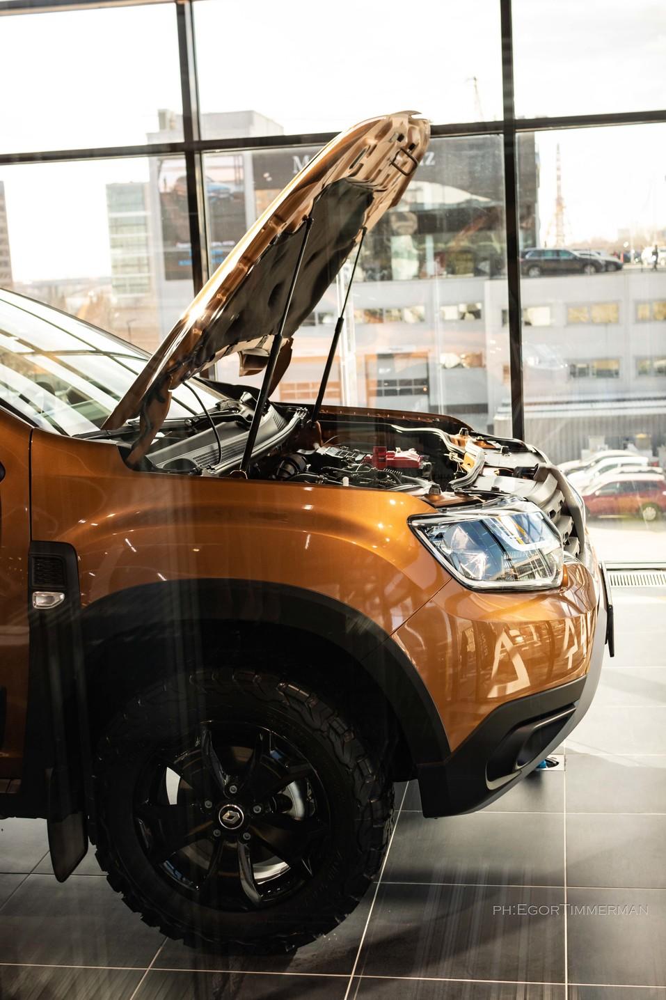 Renault Россия запустила в Новосибирске дилерский центр в новой концепции 6