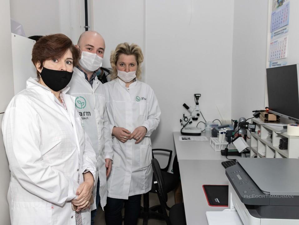 Новосибирский разработчик iFarm вырастил в мульти-лаборатории европейские сорта клубники  10
