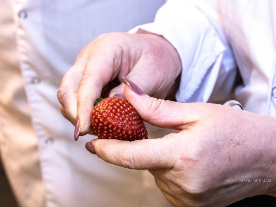 Новосибирский разработчик iFarm вырастил в мульти-лаборатории европейские сорта клубники  23