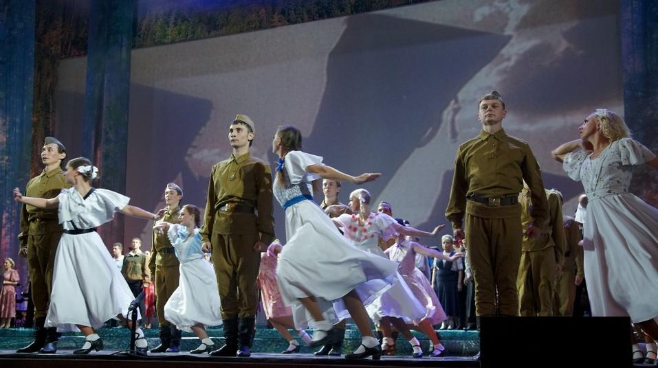 Спектакли и концерты о войне, выставки картин и фестивали — что Новосибирск увидит в мае 2