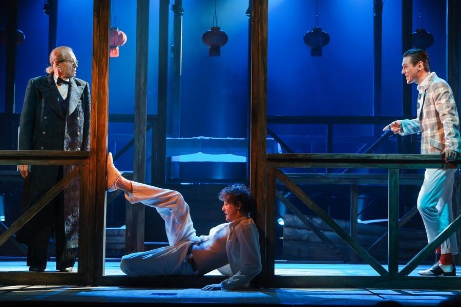 Все по Чехову: в театре Пушкина поставили спектакль «Без названия» о любви и деньгах  2