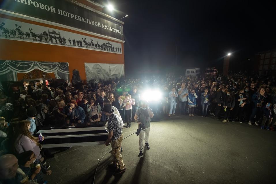 Гроб с мороженым: новосибирская фабрика «Полярис» взбодрила Ночь музеев   1