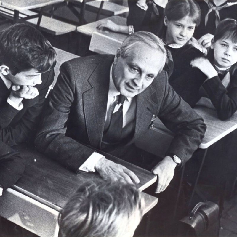 Как открыть школу математики в честь деда-академика и полностью ее перестроить 1