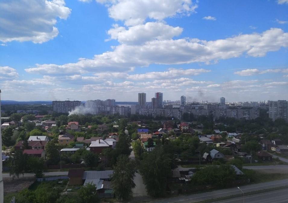Пожар на улице Контролеров. Фото: Е1