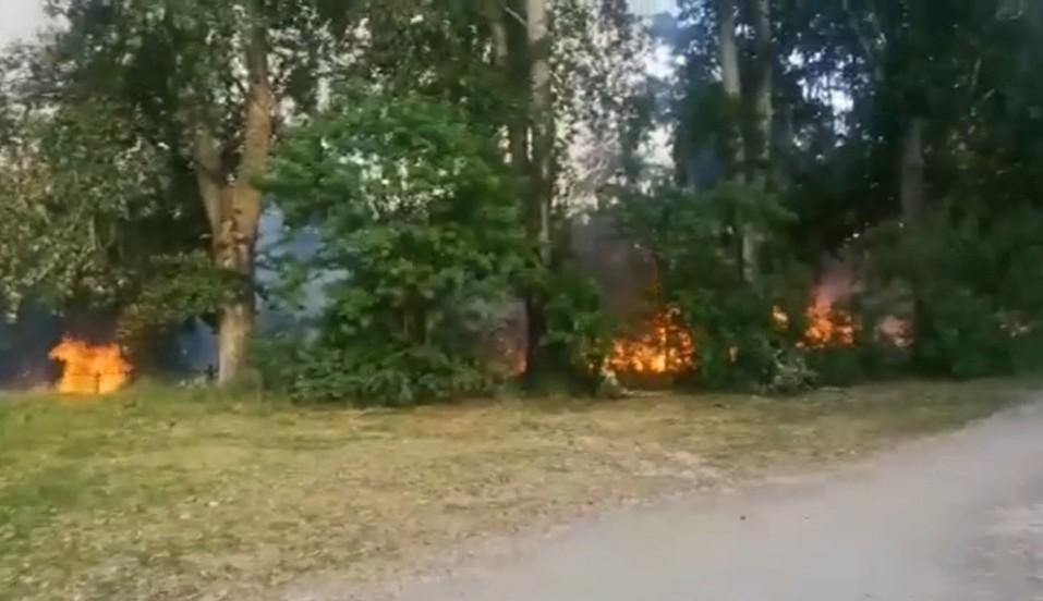 Пожар в Октябрьском районе. Фото: Е1