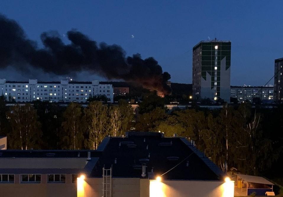 Пожар на улице Онуфриева. Фото: Е1