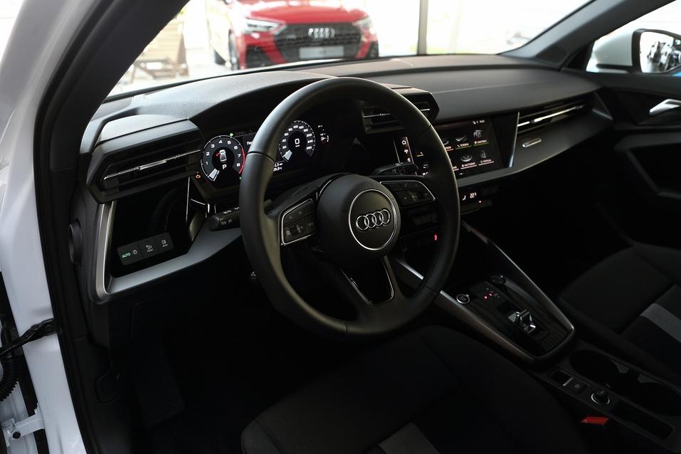 Новые Audi A3 Sedan и Audi A3 Sportback серии Joy, Cosmo и Fun: не А3цай, что эффектный! 1