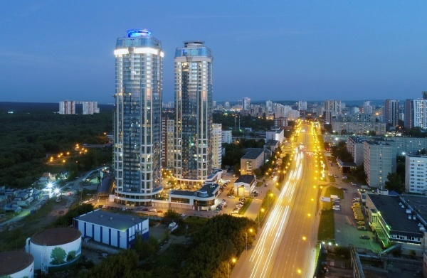 «Золотые» квартиры, свечки за 50 млрд руб., спортивная мегастройка и второй Академический 2