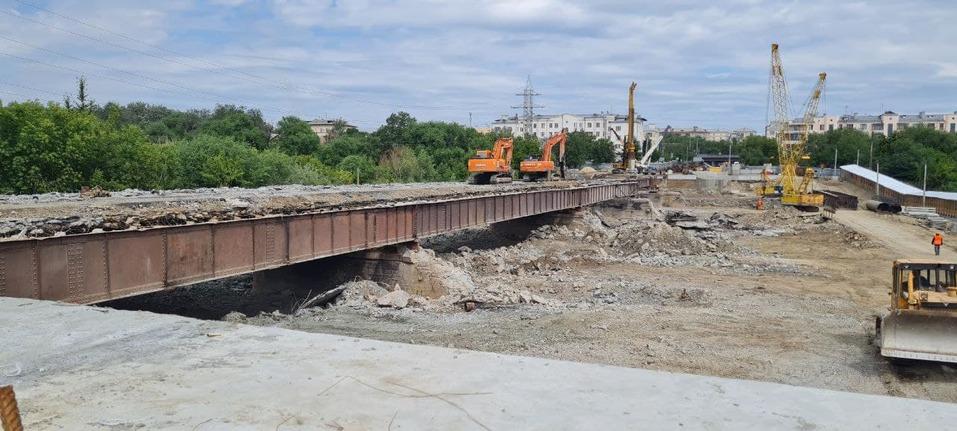 Шесть полос и выделенка для трамвая: опубликованы эскизы обновленного Ленинградского моста 1