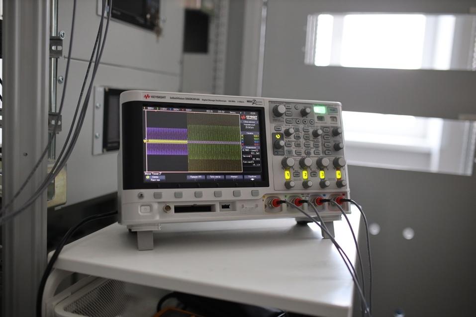 Уральский завод разработал дефибриллятор, который сможет использовать любой человек 1