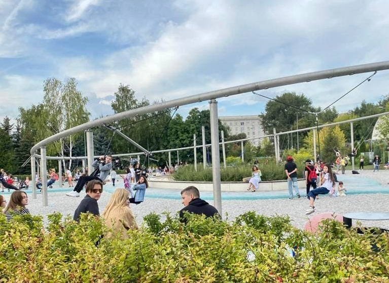 Парк качелей и тротуар-«козинак»: столичное благоустройство на северо-западе Челябинска 1