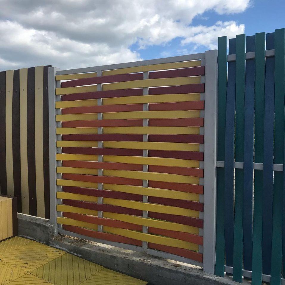 Забор из полимерного профиля