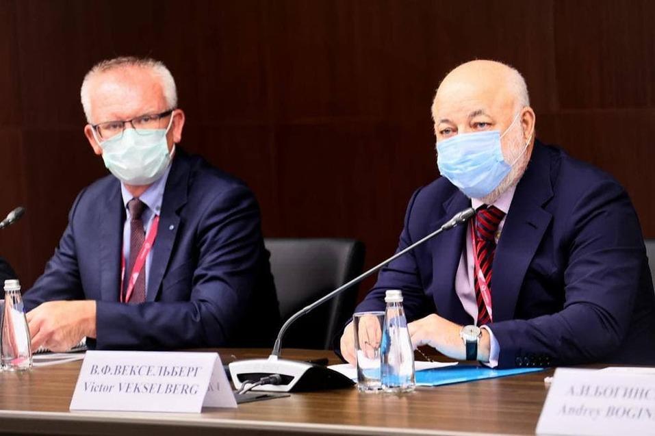 Михаил Мишустин встретился c владельцами крупнейших уральских компаний  2