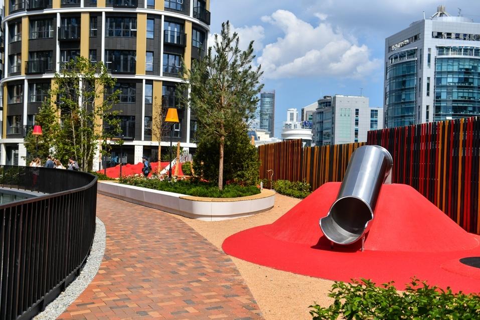 Детская площадка для самых маленьких жителей скоро будет готова