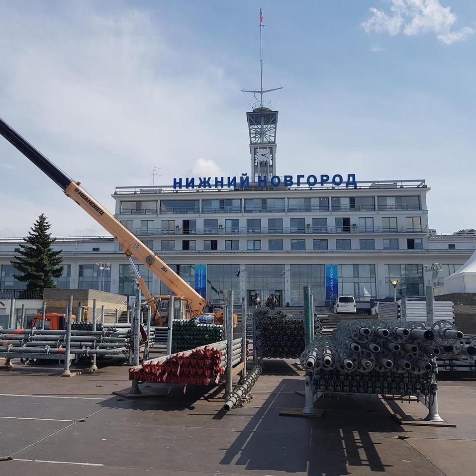 «В России таких еще не было». К 800-летию Нижнего Новгорода установят сцену на воде 1