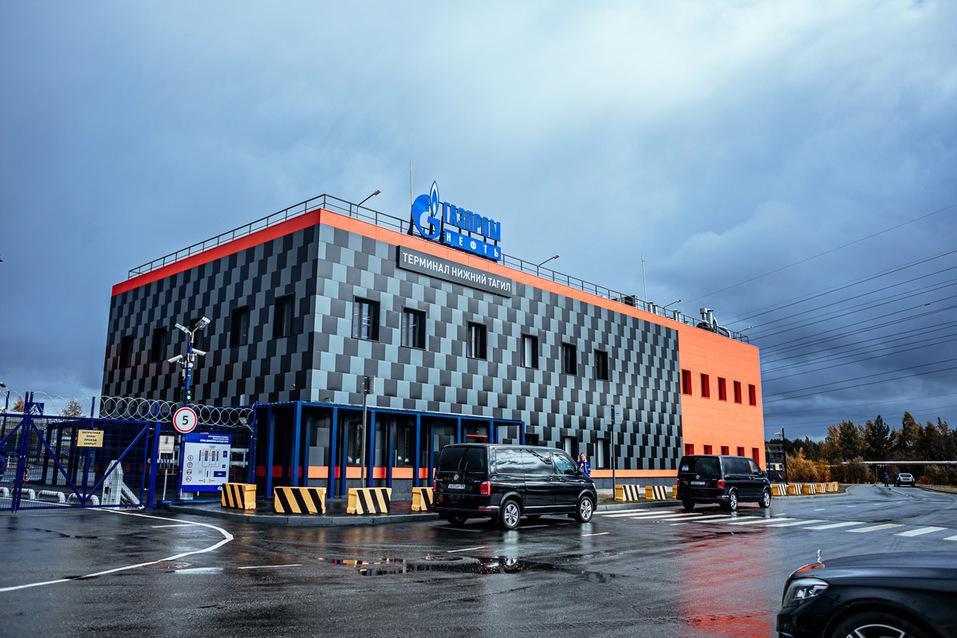 «Газпром нефть» запустила крупнейший топливный терминал на Урале 1