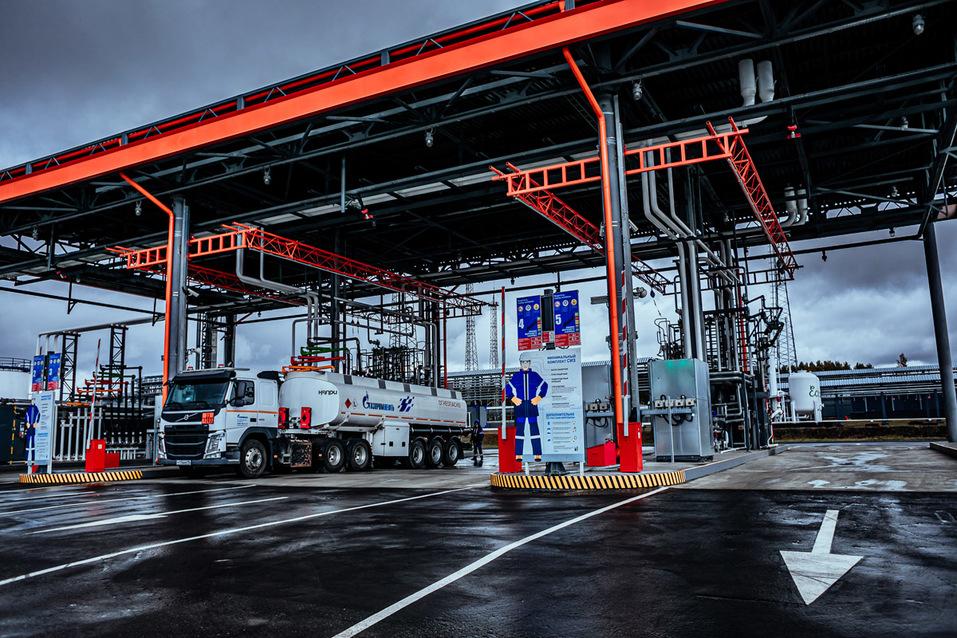 «Газпром нефть» запустила крупнейший топливный терминал на Урале 2