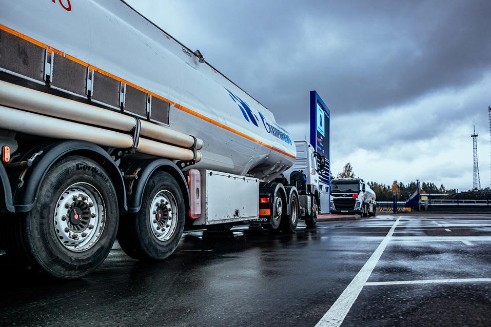 «Газпром нефть» запустила крупнейший топливный терминал на Урале 5