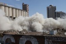 Элеватор в центре Екатеринбурга окончательно разрушили