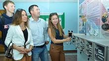 Энергетики оснастили вуз Красноярска стендом для зарядных мобильных устройств