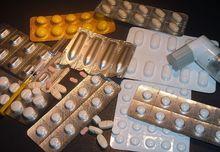 Чем лечить россиян после ограничения импорта лекарств: дайджест мнений