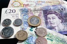 Эксперт рассказал DK.RU о причинах скачка курса евро и дал советы для сохранения денег