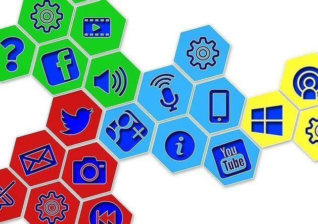 Половина жителей Екатеринбурга не выходит в соцсети во время отпуска
