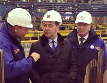 Дмитрию Медведеву презентовали новые уральские трубы