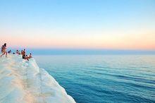 Туроператор «Акрис» обещает исполнить обязательства перед туристами