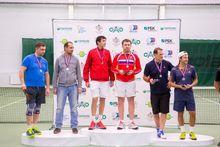 Новосибирские бизнесмены устроили турнир по большому теннису