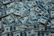 Россияне начали избавляться от закупленных в декабре долларов