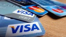 Депутат Госдумы предложил запретить валютные кредиты и ограничить ставки