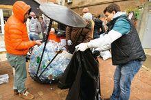 Местные экологи собрали в интернете 100 тыс. рублей на мусорные контейнеры
