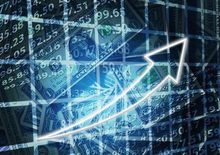 Доллар усилил падение: когда выгоднее купить валюту для поездки за рубеж