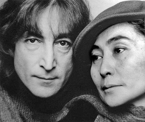 Уральскую биеннале современного искусства решила посетить вдова Джона Леннона