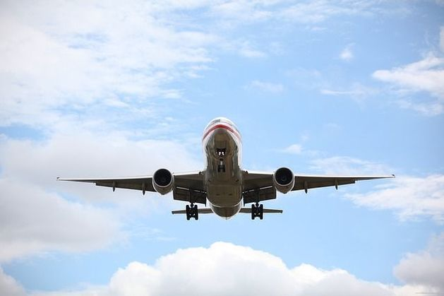 Число деловых поездок за границу в России упало на четверть