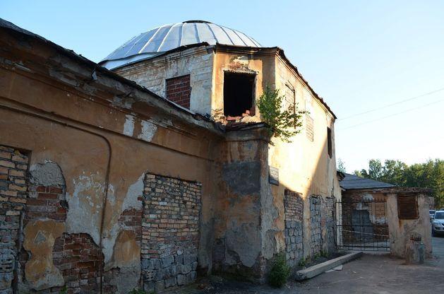 Госпиталь Верх-Исетского завода, западный павильон