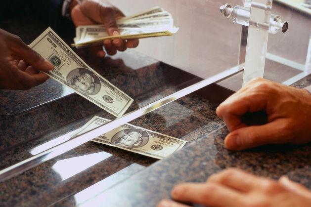 Злостные вкладчики: Сбербанк продолжает критиковать систему страхования вкладов