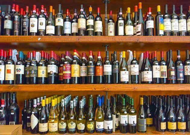 Ритейлеров обяжут вести журнал учета продаж алкоголя