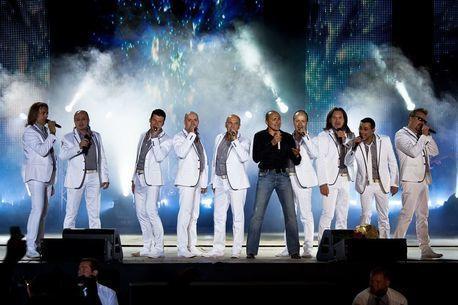 Коллектив «Хор Турецкого» станет хэдлайнером праздничного концерта на День города в Екатеринбурге