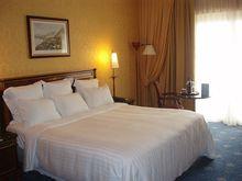 Экс-сити-менеджер Миасса Ардабьевский продает свою гостиницу в Чехии