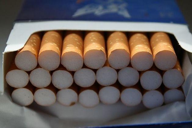 В отделениях «Почты России» будут продавать сигареты