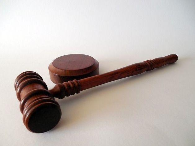Банк, связанный с Анатолием Мотылевым, решил судиться с ЦБ