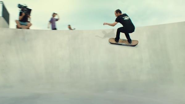 Lexus представил летающий скейтборд из фильма «Назад в будущее»