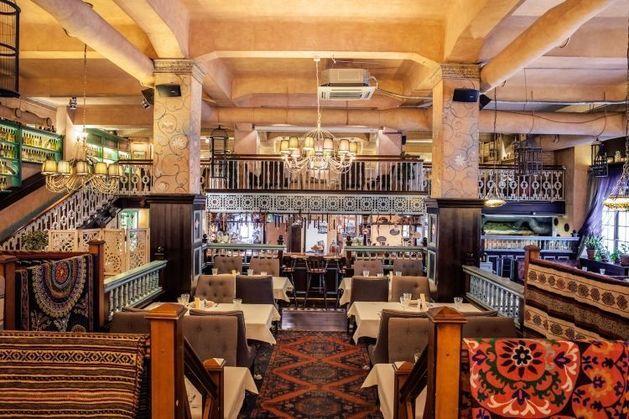 Ресторан «Хмели-Сунели» (входит в холдинг «Реста Менеджмент»)